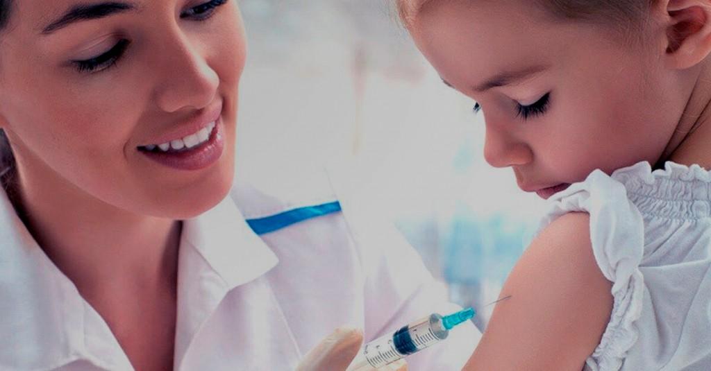 Vacinação infantil. Qual a idade para início da vacinação infantil? Quais são as vacinas que não são oferecidas pelo SUS? Prevenção, essa é a importância...